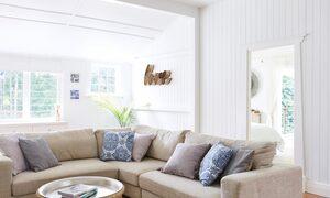 Mahalo House - Living Area