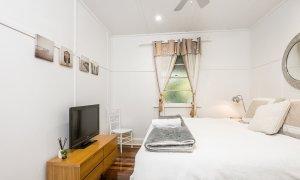 Aaloka Bay - Byron Bay - Bedroom 2 with ensuite b