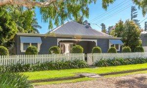 Aaloka Bay - Byron Bay - Front of House