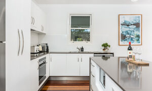 Aaloka Bay - Byron Bay - Kitchen b