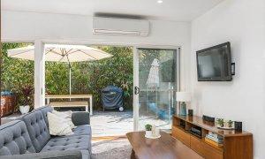 Aaloka Bay - Byron Bay - Lounge towards deck area b