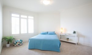 Alberts on Esplanade - Port Melbourne - Queen Bedroom