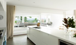 Amileka - Byron Bay Hinterland - Kitchen to Outdoor