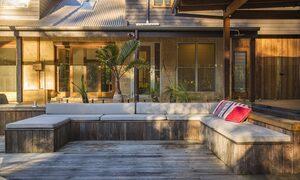 Apalie Retreat - Ewingsdale - Huge Deck Area
