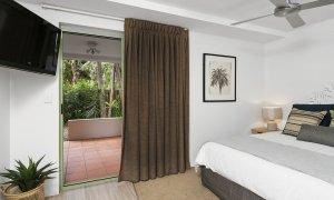 Apartment 1 Surfside - Byron Bay - Bedroom 1 Master b