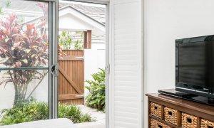 At Driftaway - Byron Bay - Bedroom Downstairs Towards Entry Gate