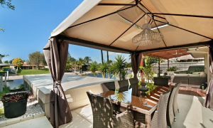At Riverbend - Broadbeach Waters - Outdoor entertainment area