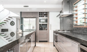 Augustine - Byron Bay - Kitchen c