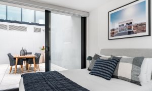 Axel Apartments The Faircroft - Glen Iris - Bedroom Master c