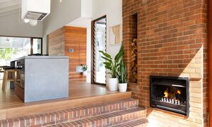 Bacchus - Byron Bay - Fireplace b