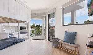 Bay Breeze - Broadbeach waters - Gold Coast - Bedroom 5 kids space