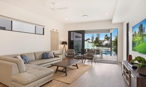 Bay Breeze - Broadbeach waters - Gold Coast - Living room