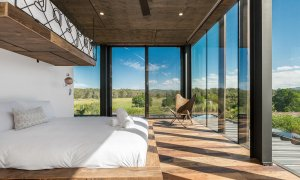 Beach Box - Byron Bay - Bedroom with Queen and Top Bunk