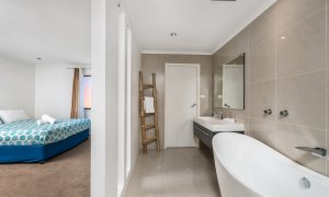 Bella on Banyan - Gold Coast - Bedroom 1 Ensuite c