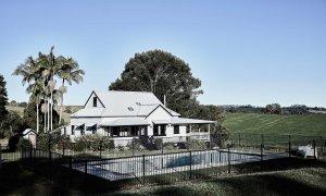 Bennys Cottage - Byron Bay - Real Living Shoot Pool