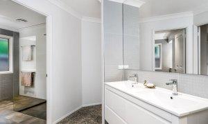 Blues Lodge - Byron Bay - Main Bathroom