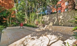 Bondi Beach Peach - Back courtyard