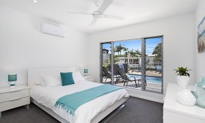 Buena Vista - Broadbeach Waters - Bedroom 1