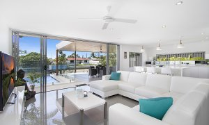 Buena Vista - Broadbeach Waters - Living Area