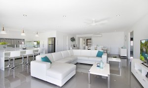 Buena Vista - Broadbeach Waters - Living and Dining Area