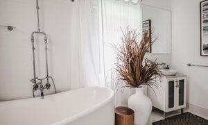 Byron Bay - Collective Retreat - Main House Bathroom a