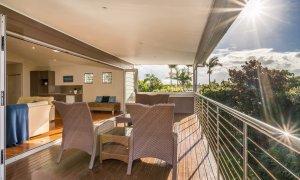 Byron Beach Style - Upsatirs Deck