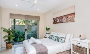Byron Beach Style - Downstairs Double Bedroom