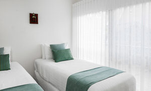 Byron Blisshouse - Byron Bay - Penthouse - Bedroom 1 Singles Room c