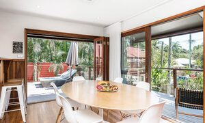 Byron Blisshouse - Byron Bay - Penthouse - Dining Area and Outdoor Flow