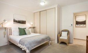 Byron Breeze 5 - Byron Bay - Clarkes Beach - master bedroom