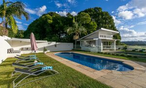 Byrons Brae - Byron Bay - Pool and Cabana