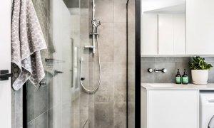 Caba Cabana - Cabarita Beach - Bathroom and Laundry b