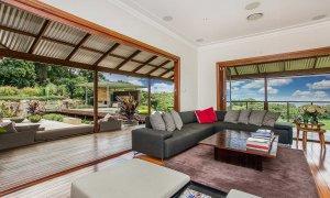 Callistemon View - Byron Bay Hinterland - Federal - lounge to deck area