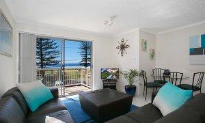 Camden House #11 - Gold Coast - Living Area