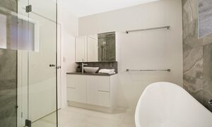 Capri Waters - Isle of Capri, Surfers Paradise - Bathroom 1