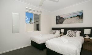 Capri Waters - Isle of Capri, Surfers Paradise - Bedroom 3