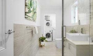 Carlton Terrace - Carlton - Bathroom Looking toward Laundry Area
