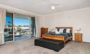 Casa Aqua - Gold Coast - Bedroom 1