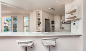 Casa Aqua - Gold Coast - Kitchen