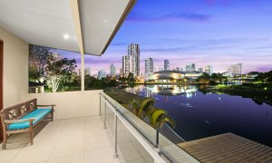 Casa Grande - Broadbeach Waters - View to Broadbeach