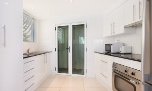 Casa Grande on the Water - Surfers Paradise - Basement Kitchenette