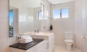 Casa Grande on the Water - Surfers Paradise - Rooftop Terrace Bathroom
