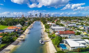 Casa Royale - Broadbeach Waters - Aerial Shot Canal Frontage Towards City