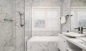 Casa Royale - Broadbeach Waters - Bathroom 1 Ensuite