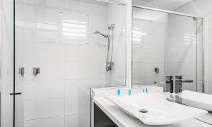 Casa Royale - Broadbeach Waters - Bathroom 2