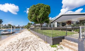 Casa Royale - Broadbeach Waters - Canal Frontage