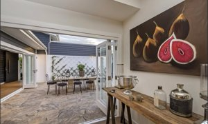 Casa Royale - Broadbeach Waters - Outdoor dining area
