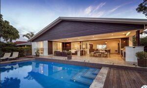 Casa Royale - Broadbeach Waters - Pool