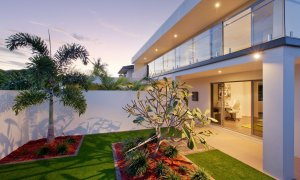 Casa Vacanze - Broadbeach Waters - Front of House