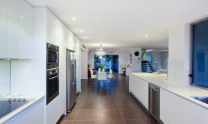 Casa Vacanze - Broadbeach Waters - Kitchen